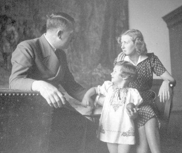 Führer chronicznie nie znosił obnażania się przed obcymi i nawet on, jako lekarz, nie miał okazji oglądać go nagiego.