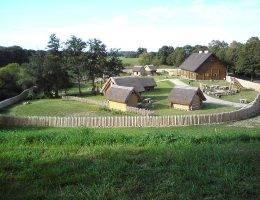 Badacze na pierwotną siedzibę Piastów, z której zaczęła się ich ekspansja, wytypowali gród w Gieczu.