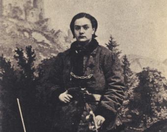 Henryka Pustowójtówna w męskim mundurze