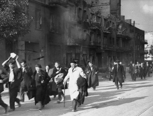 Nie liczono się z powstaniem w Warszawie, nikomu nie przychodziło do głowy, żeby wystawić całą ludność Warszawy na ataki bombowe