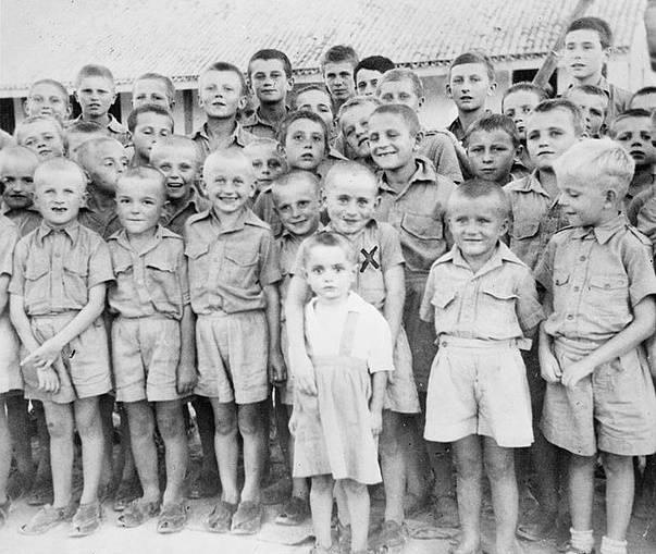 Polskie dzieci-uchodźcy i sieroty wojenne w Balachadi w Indiach