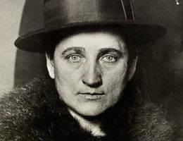 Tillie Klimek bez skrupułów truła swoich mężów i kochanków, sąsiadów, a nawet zwierzęta. Jednocześnie twierdziła, że... przewidziała ich śmierć w proroczych snach.
